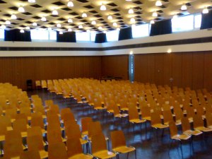 Aula: Blick ins Plenum